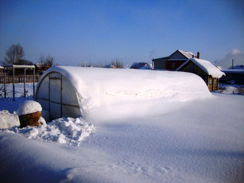 Система укрепления теплицы на зиму